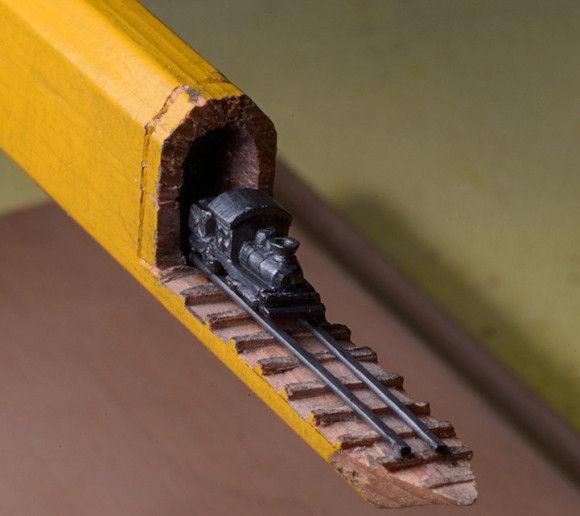 鉛筆の芯でつくった電車が凄い2