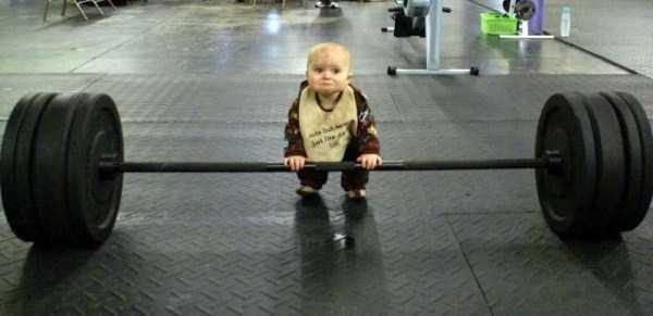 強制労働させられる赤ちゃん1