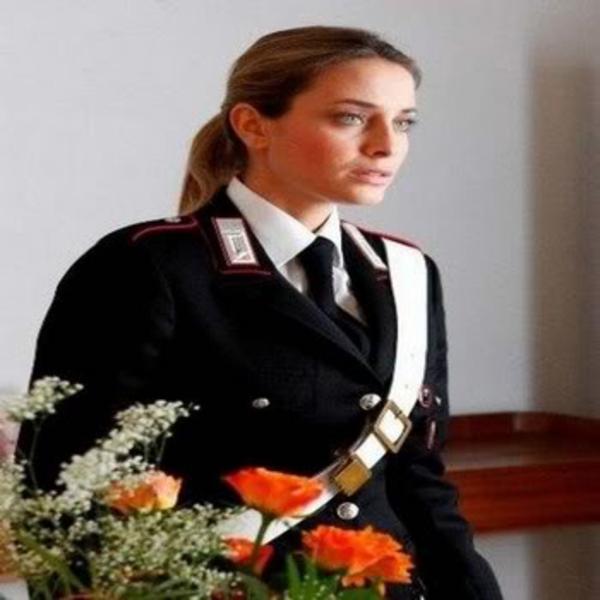 美しい女性警察官18