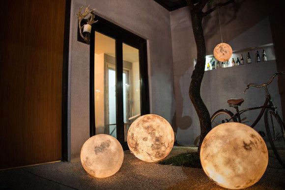 部屋に月のオブジェ3