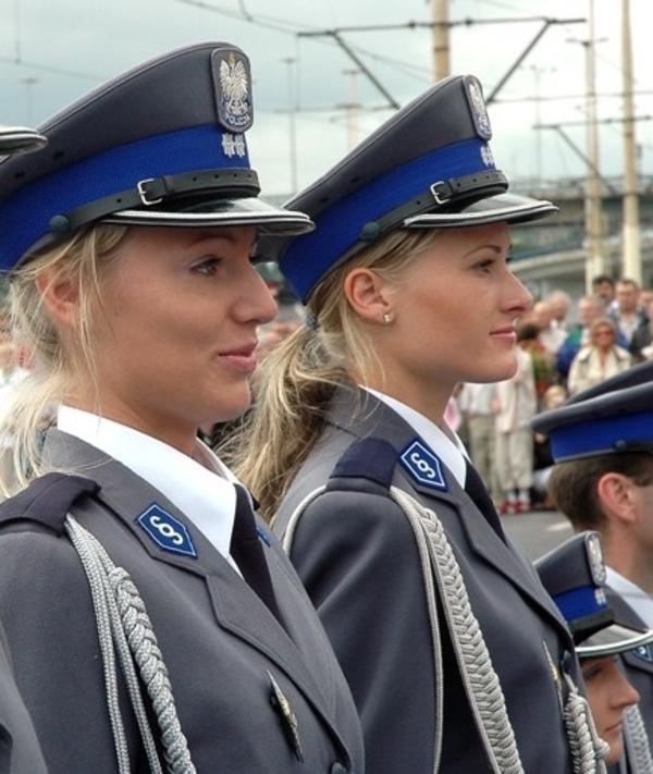 美しい女性警察官19