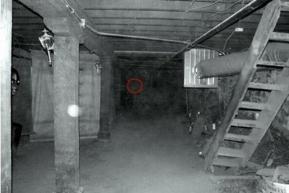 海外の幽霊15