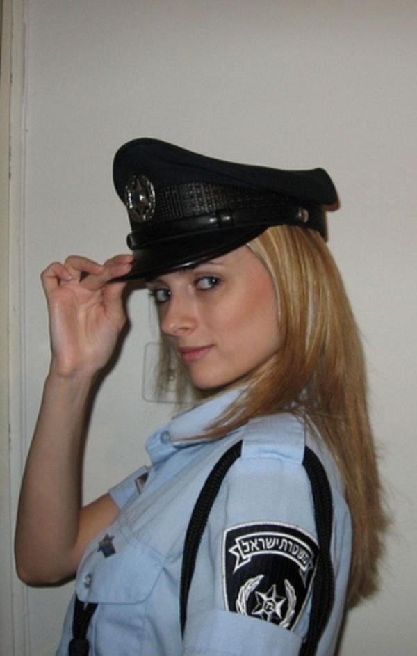 美しい女性警察官15