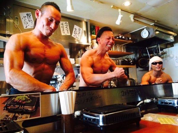 日本のマッチョ焼肉店が海外のサイトで紹介される3