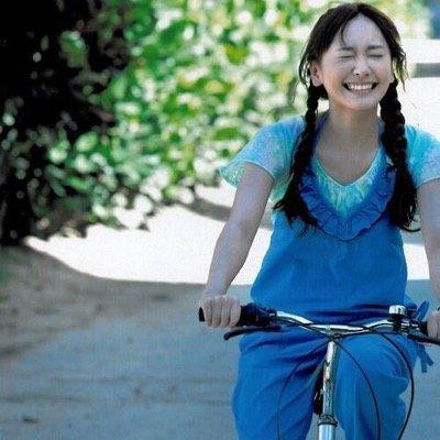 1人なのに笑顔で自転車漕いでるやつwwwwwwwww