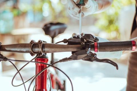 自転車のブレーキがキーキーうるさい奴ってセンスないよなwwwwwwwwwwwwwwwwwwwwww