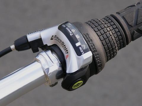 お前らの自転車って1速から順番に変速加速していく系?