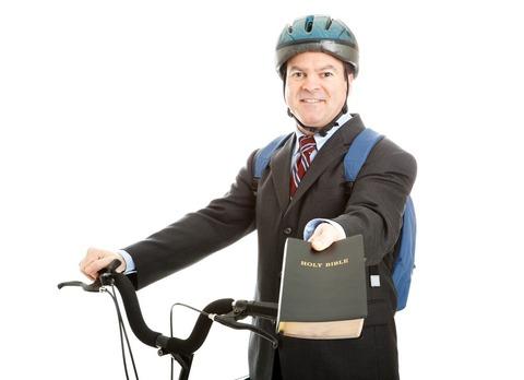 モルモン教の宣教師が乗ってる自転車