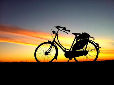 【北海道1周】バイク vs. 自転車 - お金がかかるのは!?