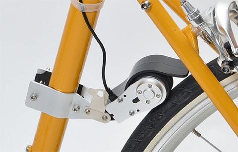 自転車漕げば電気に還元する装置あるやん?