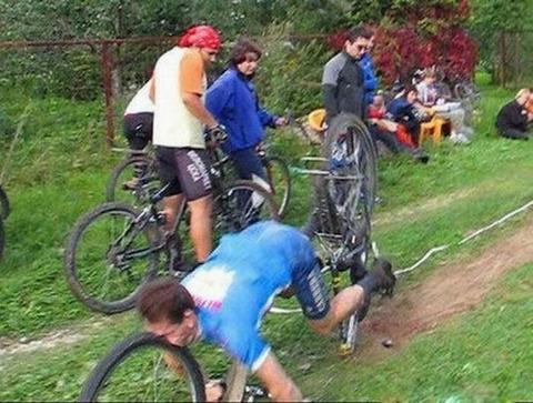 自転車でこけたときに「カッコいい・・」って思わせる方法