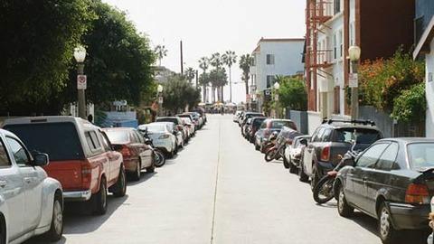 171218_street-parking1