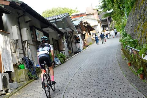 自転車俺「箱根なんてママチャリで余裕だろwwwwww」