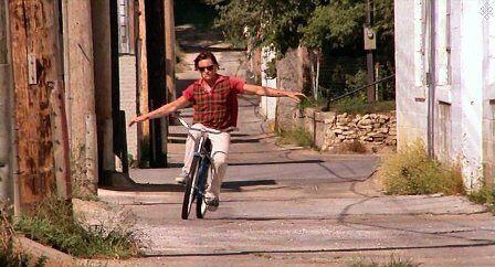 自転車の手放し運転も出来ないおとこのひとって・・・