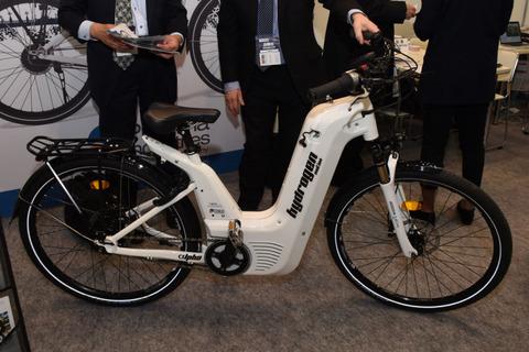 【世界初】1分で100kmの『水素自転車』が登場!!