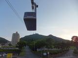 函館山に登るロープウェイ