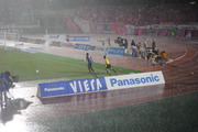 大雨の下でのサッカー-2
