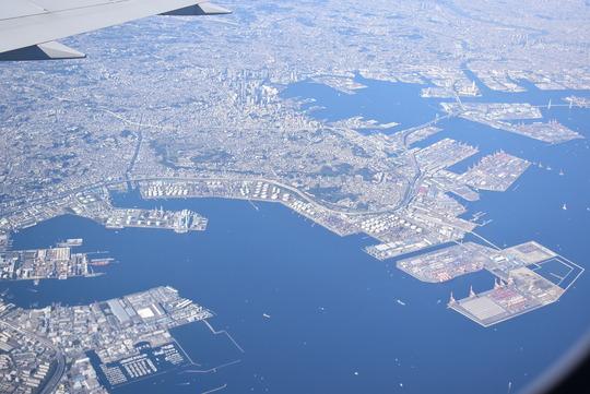 横浜の根岸上空