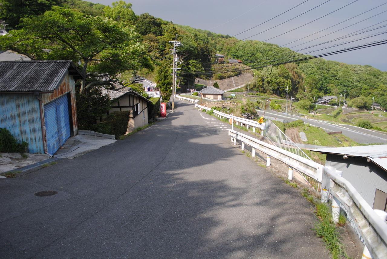 奈良側は緩くて道幅も広い-2
