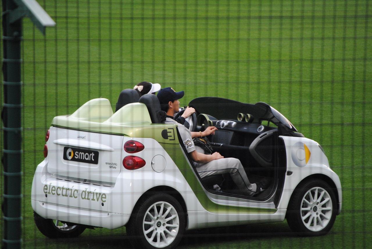 甲子園のリリーフカーは電気自動車