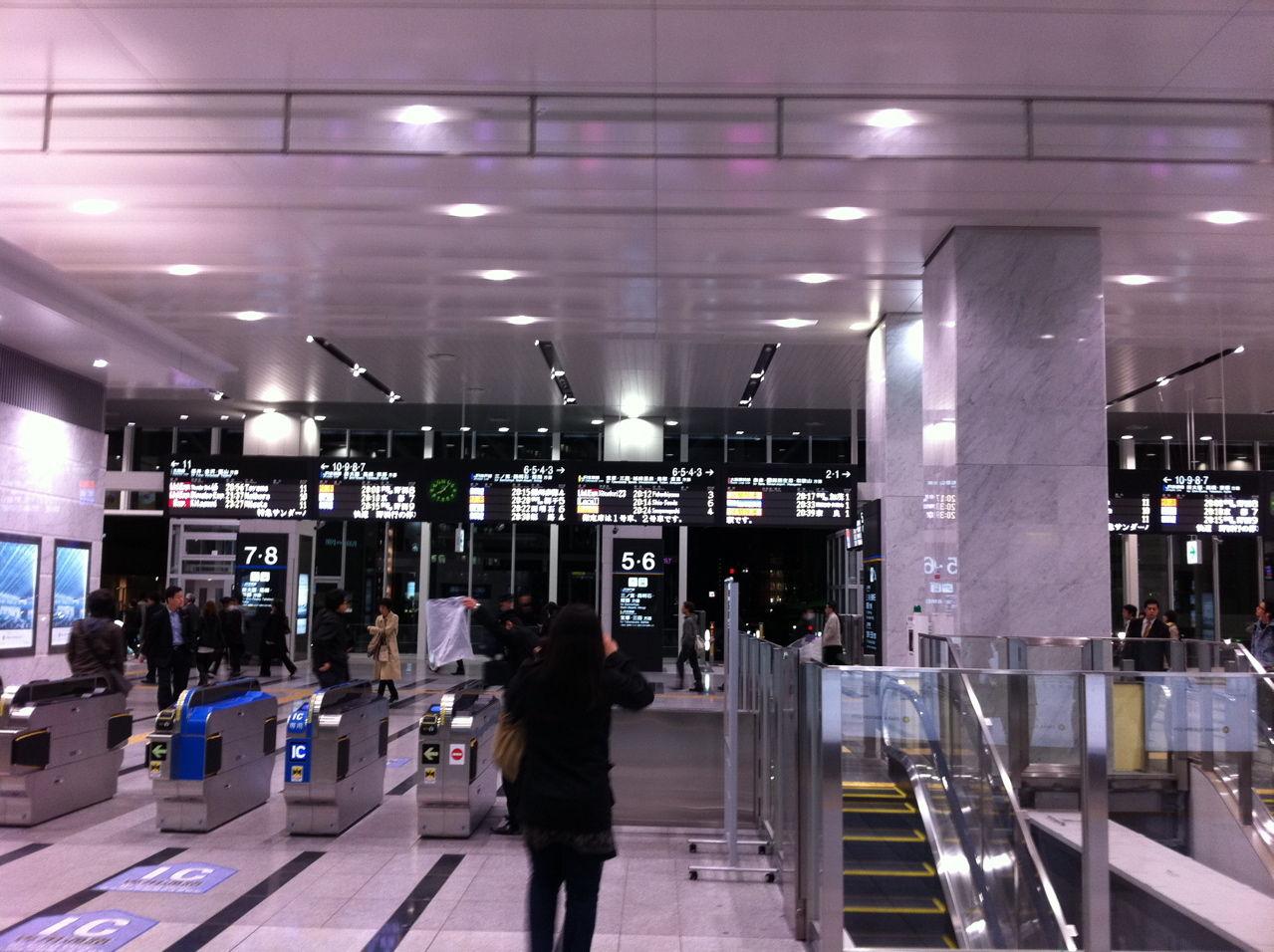 JR大阪駅連絡橋口-2