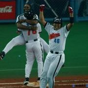 北川博敏、逆転サヨナラ満塁優勝決定本塁打