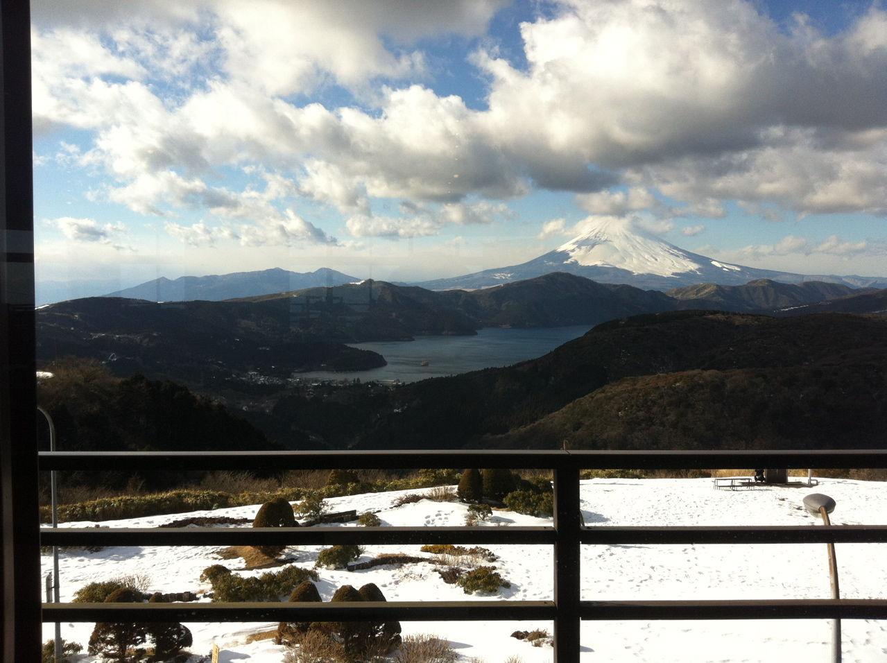 芦ノ湖から富士山を望む