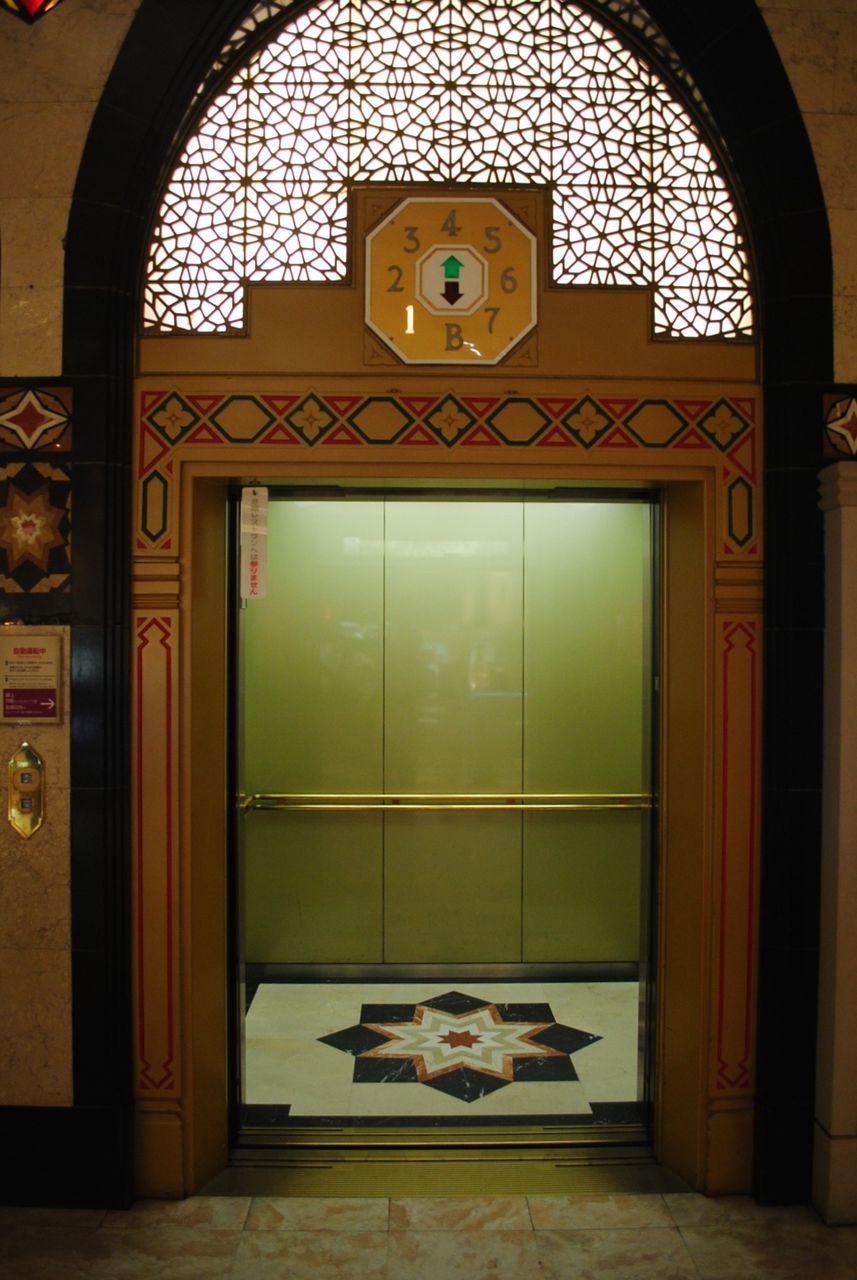 一階昇降機ホール-2