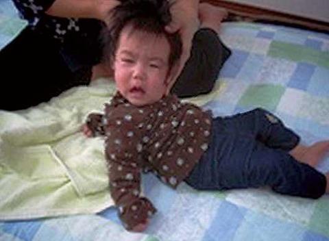 背筋矯正「ズンズン運動」施術で乳児死亡
