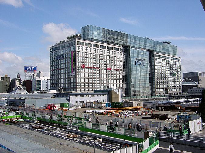 2004年4月2日 新宿駅南口 : 東京...