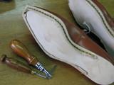 道具と西村さんの靴