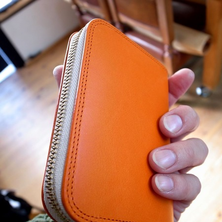 �財布オレンジ裏