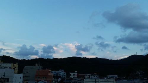 ブルーグレーな空