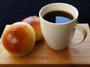 『Caffè americanoとテーブルパン』