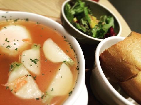 151214カブと小エビの温玉スープ