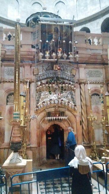 イスラエル-聖墳墓教会-イエスキリストの墓外観