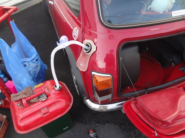 車 ガソリン 抜く