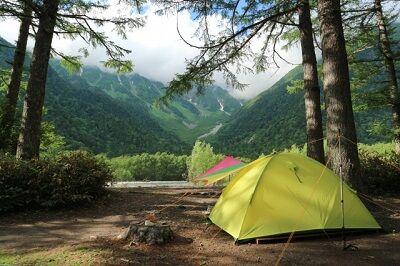 山でテント