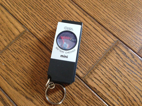 キャンプに行く前に電池のチェックを!格安の電池チェッカーで全ての電池残量の確認ができます!