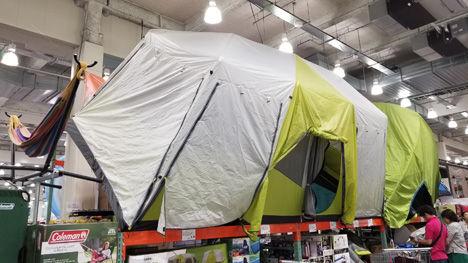 12人用の巨大なテントが28,980円(税込)。
