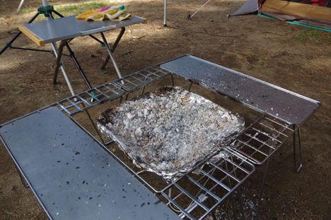 スノーピークの焚き火台、洗わなくても拭き拭きだけでOK3
