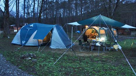 キャンプ用品の選び方。初心者のテント購入は設営時間と強風時の問題に注意!