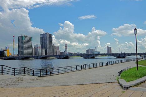 新潟スノーピークキャンプ、角田浜のあとは萬代橋から信濃川河口へ!