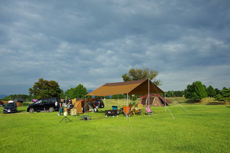 スノーピークHQキャンプフィールドは他社のテントを利用していても行かないと損です。