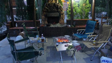 キャンプ・アンド・キャビンズの暖炉サイト、キャンセルとなりましたがこんなサイトだったのです!