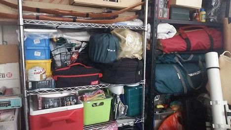 増え続けるキャンプ用品の収納、片付けるたびに変わります。3