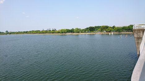 今ボートで話題の彩湖、実はキャンパーの聖地なのです。3