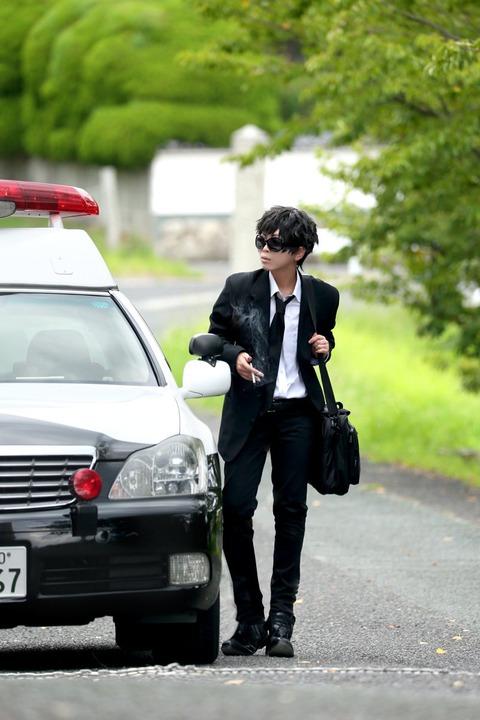 【速報】コスプレイヤーさん、撮影の為にパトカーを借りてしまうwwwww