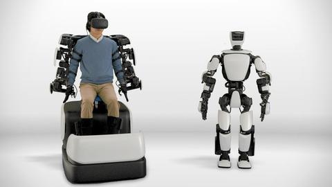 【技術】まるで分身、トヨタが新型ロボ開発 操縦者の動きを再現
