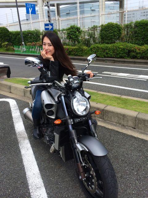 女の子「私もバイク乗ってます!」俺「ふーん、今度ツーリング行く?」女の子「はい!ついていきます!」